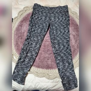Moasimo cropped leggings size medium
